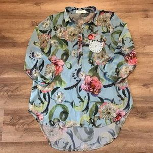 Simply Couture Blouse Button Half Down Siz…